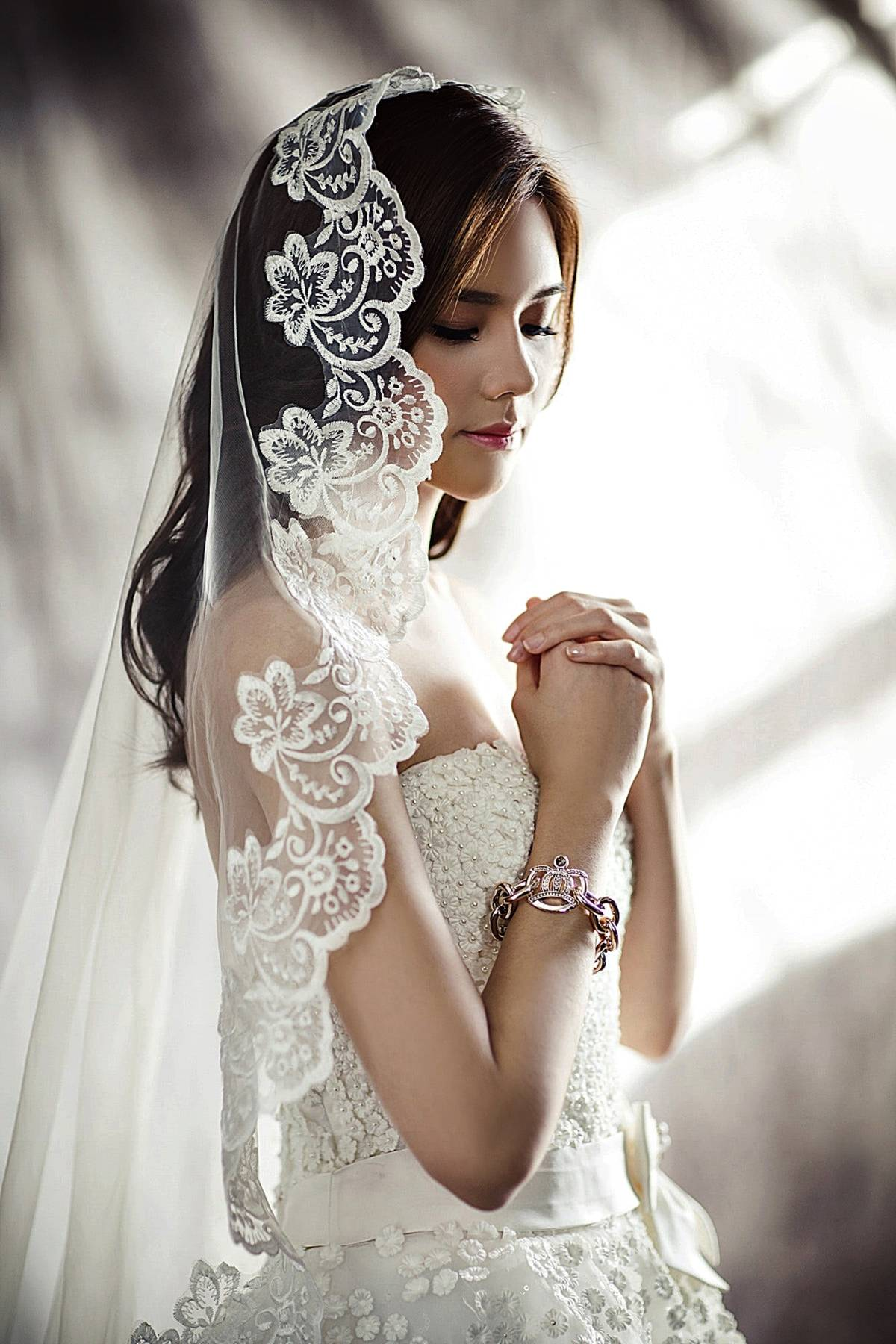 beautiful-bride-dress-157757 (1)