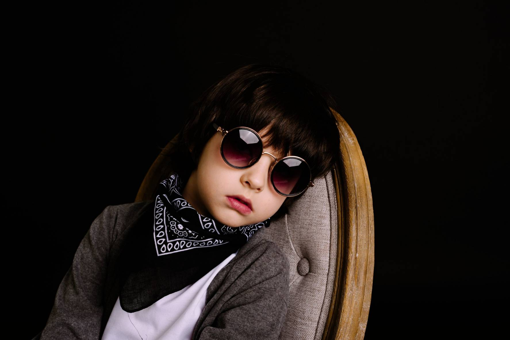 black-background-boredom-boy-1619730 (1)